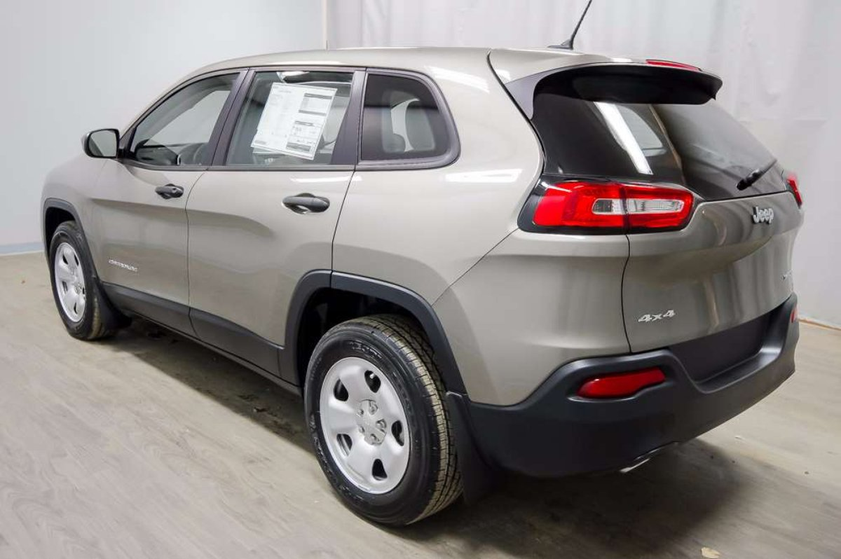 2017 Jeep Cherokee for sale in Moose Jaw, Saskatchewan