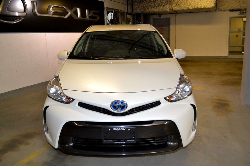 2015 Toyota Prius v for sale in Vancouver, British Columbia