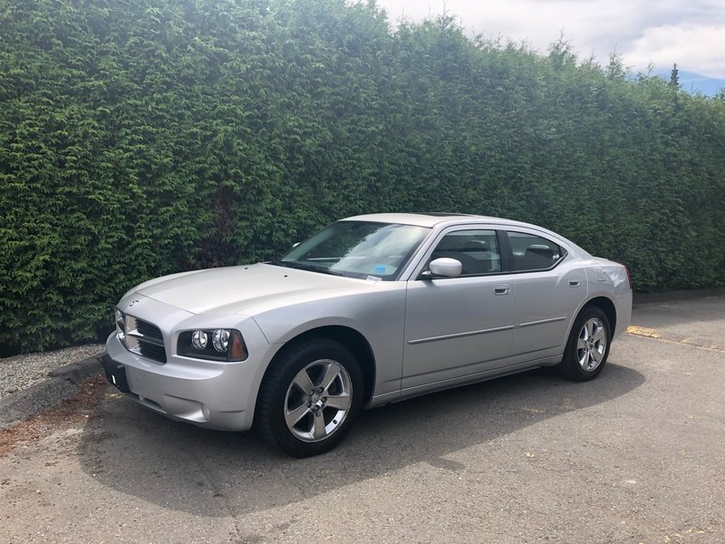 2010 Dodge Charger for sale in Surrey, British Columbia