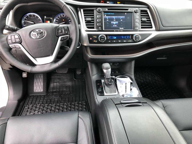 2019 Toyota Highlander for sale in Portage La Prairie, Manitoba