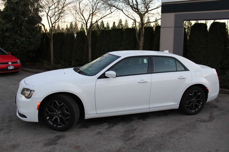 2018 Chrysler 300 for sale in Langley, British Columbia