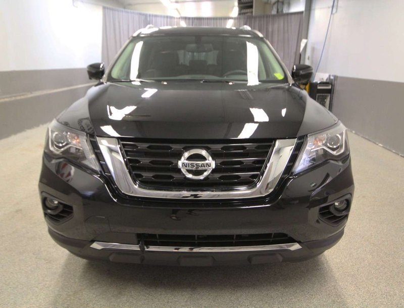 2018 Nissan Pathfinder for sale in Moose Jaw, Saskatchewan