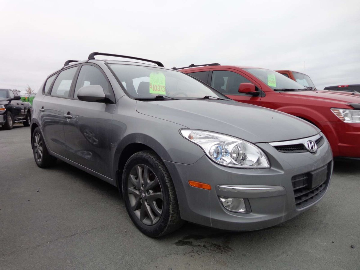 2012 hyundai elantra touring for sale in yellowknife. Black Bedroom Furniture Sets. Home Design Ideas