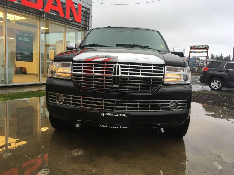 2013 Lincoln Navigator for sale in Campbell River, British Columbia