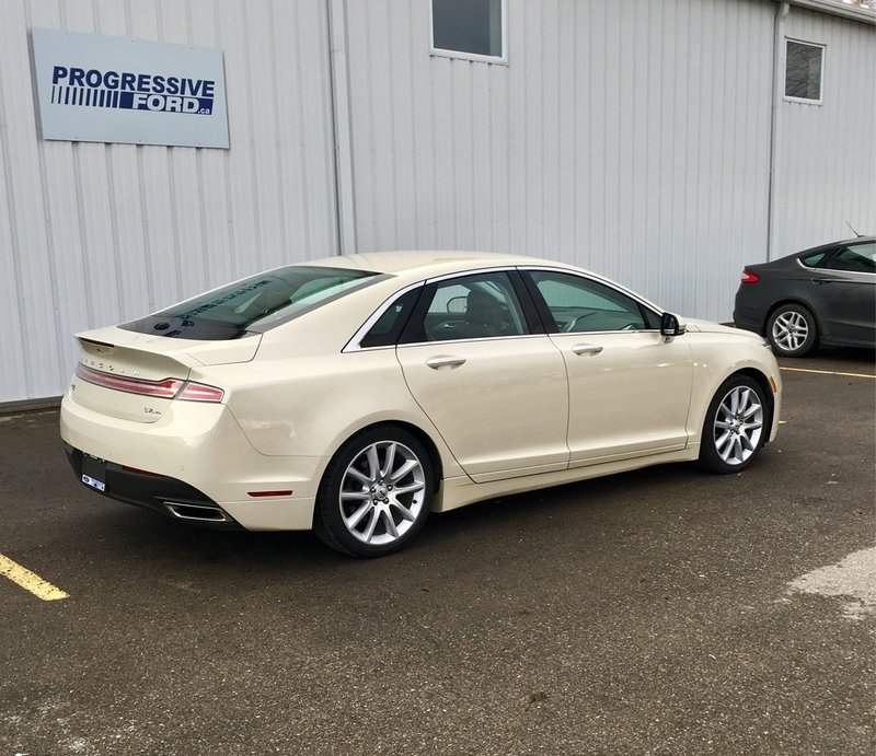 2015 Lincoln MKZ for sale in Wallaceburg, Ontario
