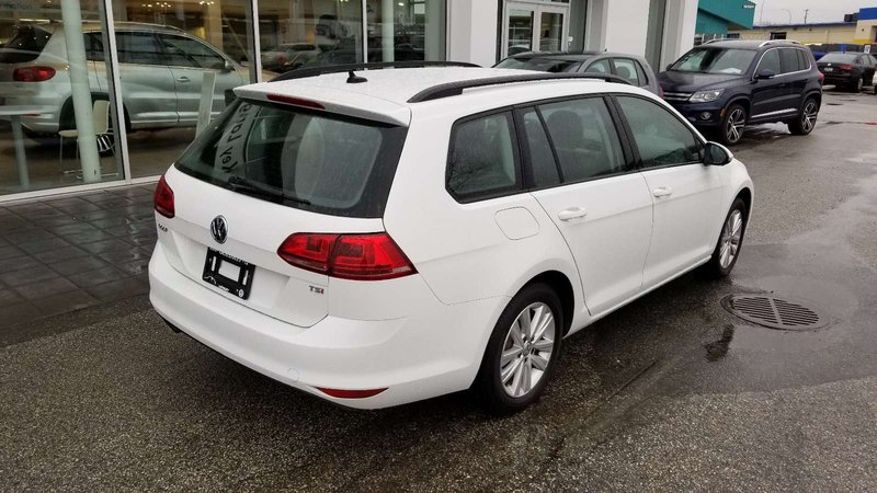 2017 Volkswagen Golf Sportwagen for sale in Langley, British Columbia