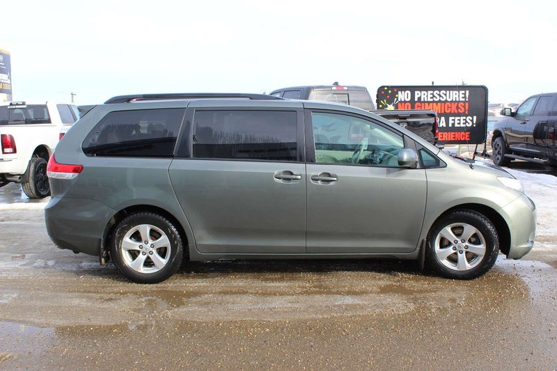 2014 Toyota Sienna for sale in Peace River, Alberta