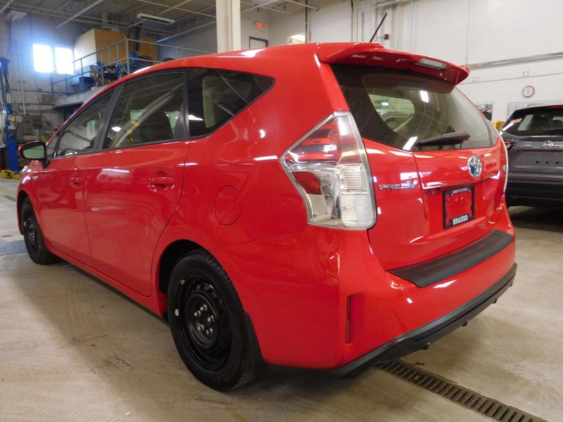 2015 Toyota Prius v for sale in Calgary, Alberta