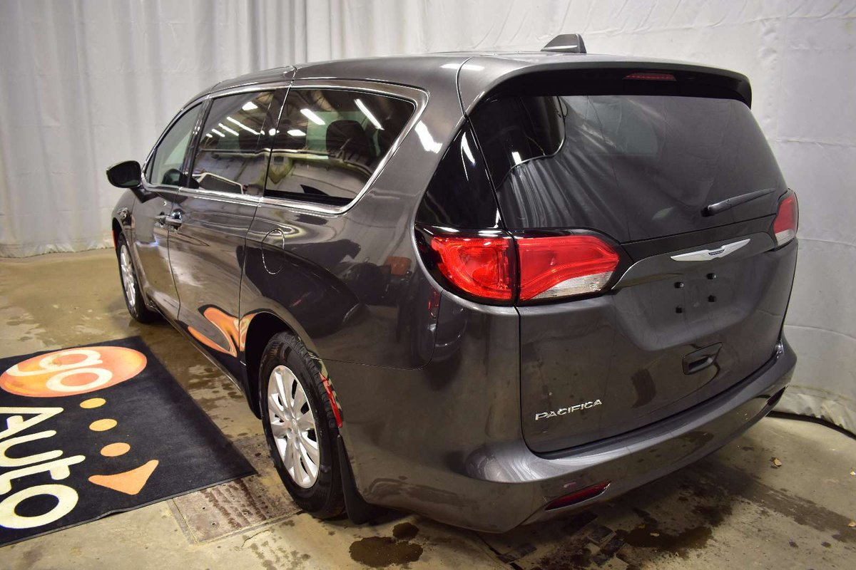 2018 Chrysler Pacifica for sale in Red Deer, Alberta