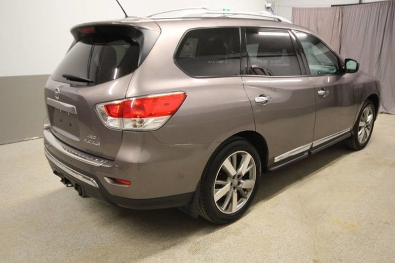 2014 Nissan Pathfinder for sale in Moose Jaw, Saskatchewan