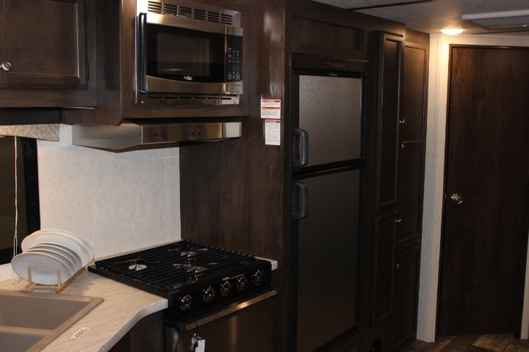 2019 Starcraft LAUNCH OUTFITTER 27BHU Only $163 biweekly OAC. New Travel Trailer RV, sleeps 10 with bunk beds!  for sale in Leduc, Alberta