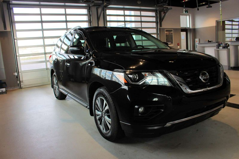 2017 Nissan Pathfinder for sale in Spruce Grove, Alberta