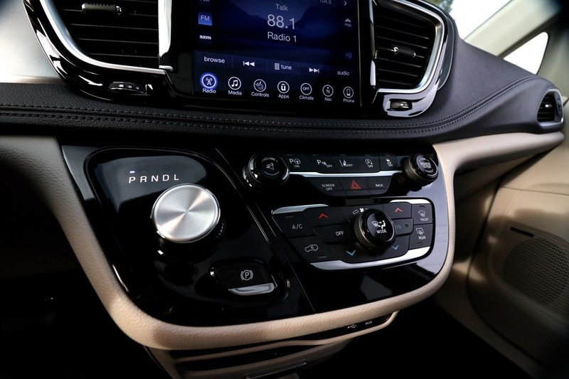 2017 Chrysler Pacifica for sale in Richmond, British Columbia