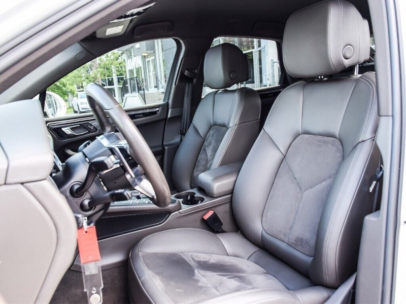 2015 Porsche Macan for sale in Thornhill, Ontario