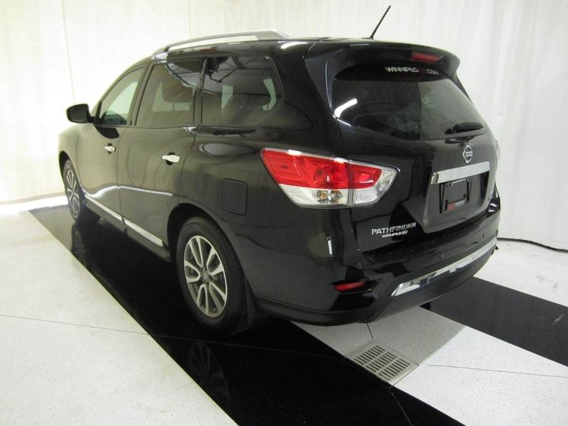 2015 nissan pathfinder for sale in winnipeg. Black Bedroom Furniture Sets. Home Design Ideas
