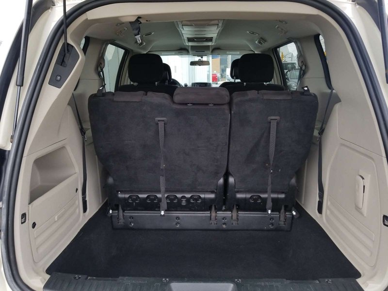 2013 Chrysler Town & Country for sale in Sydney, Nova Scotia
