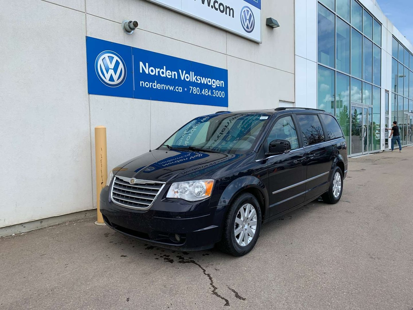 2010 Chrysler Town & Country Touring for sale in Edmonton, Alberta