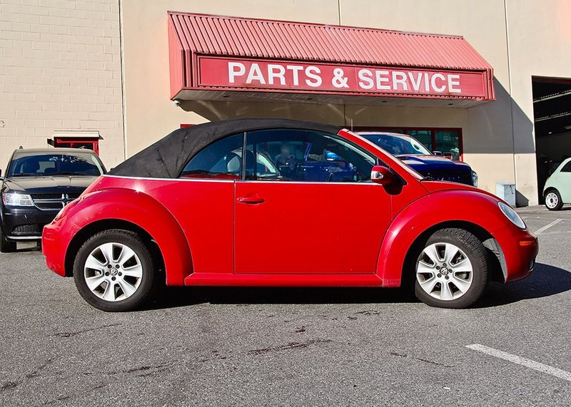 2010 Volkswagen New Beetle Convertible for sale in Richmond, British Columbia