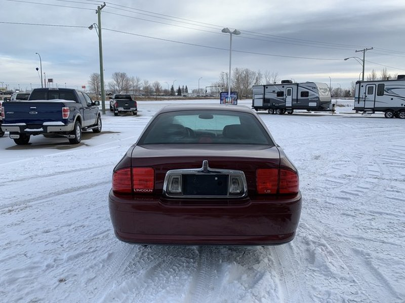2000 Lincoln LS for sale in Moose Jaw, Saskatchewan