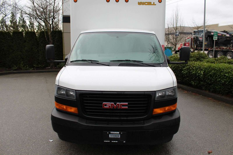 2018 GMC Savana Commercial Cutaway for sale in Langley, British Columbia