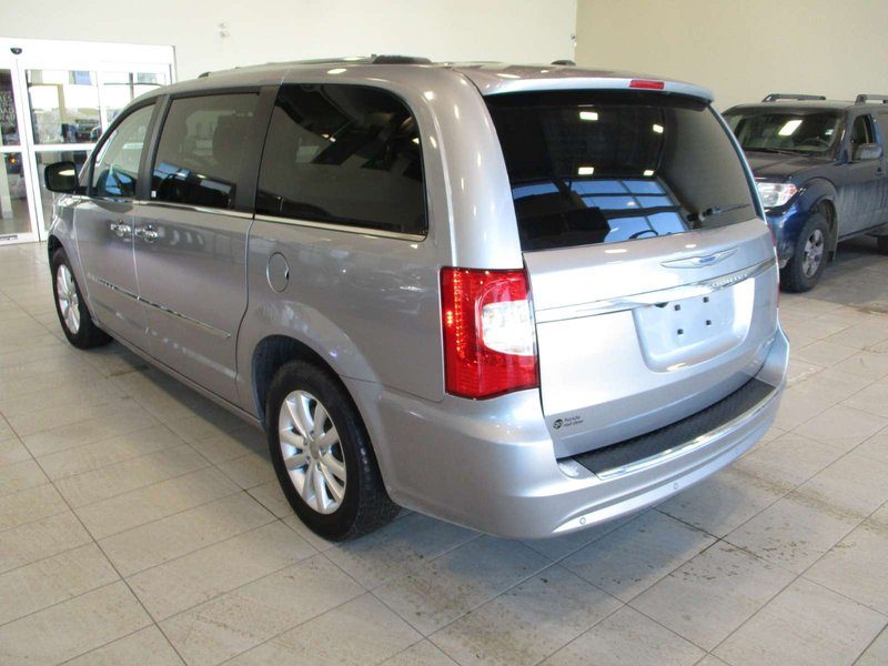 2016 Chrysler Town & Country for sale in Red Deer, Alberta