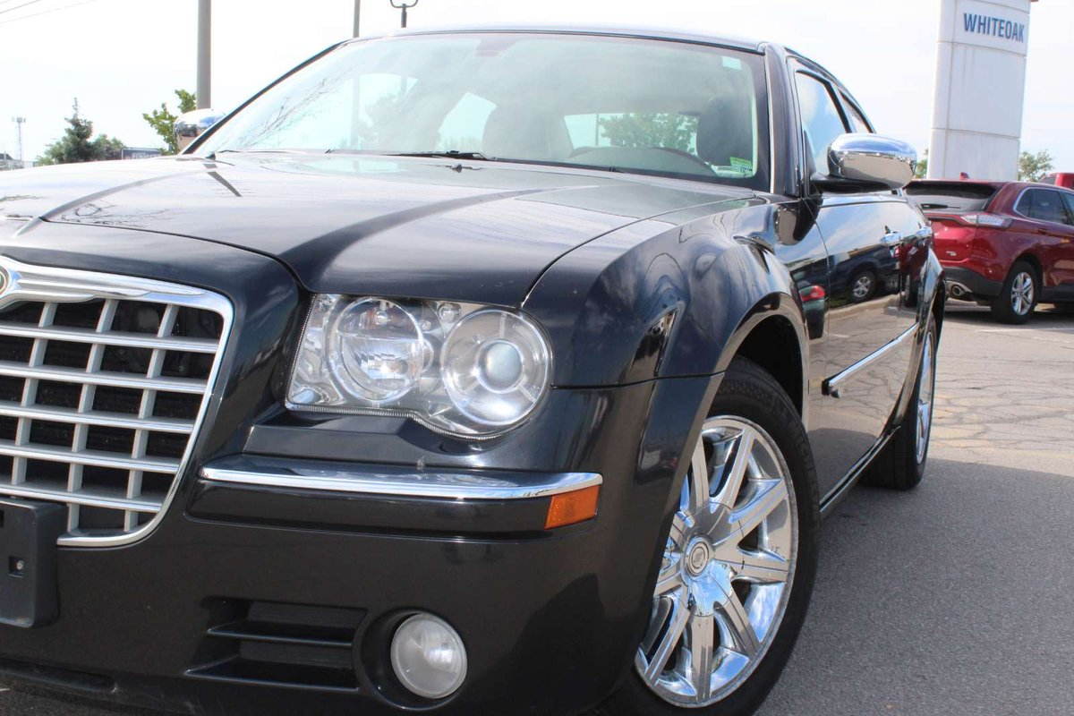 2010 Chrysler 300 for sale in Mississauga, Ontario