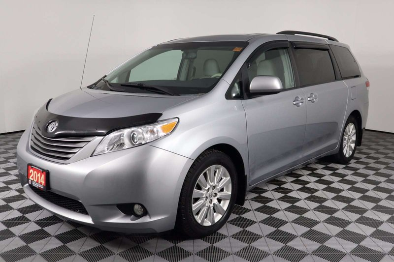 2014 Toyota Sienna for sale in Huntsville, Ontario