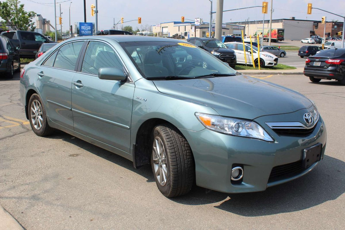2011 Toyota Camry Hybrid for sale in Mississauga, Ontario