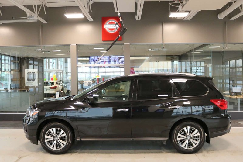 2018 Nissan Pathfinder for sale in Cochrane, Alberta