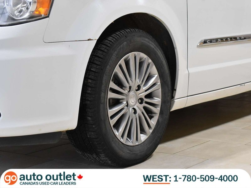 2014 Chrysler Town & Country for sale in Edmonton, Alberta