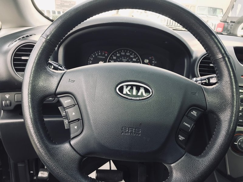 2009 Kia Rondo for sale in Richmond, British Columbia