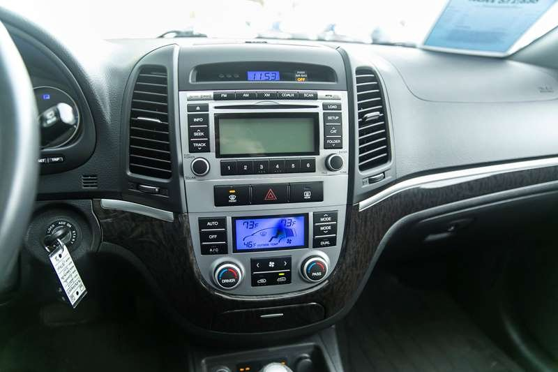 2009 Hyundai Santa Fe for sale in Victoria, British Columbia