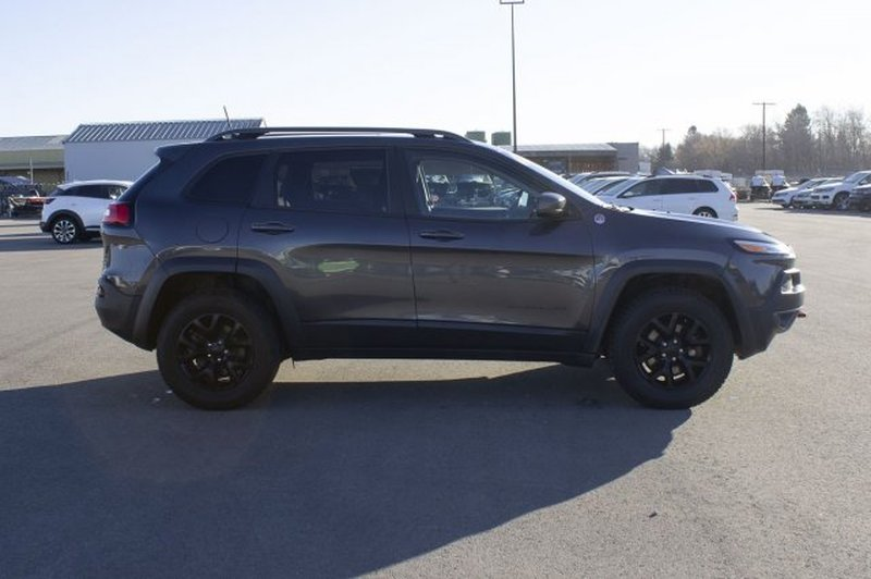 2016 Jeep Cherokee for sale in Prince Albert, Saskatchewan