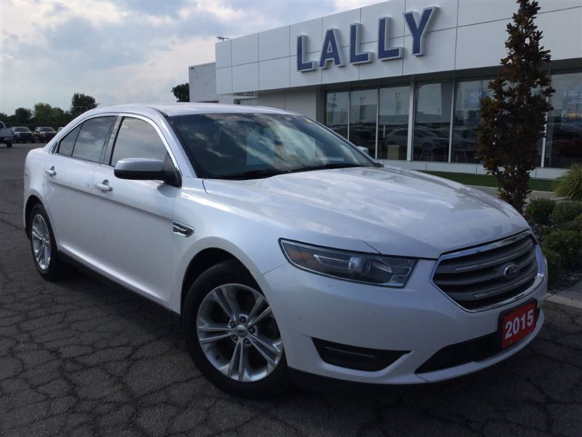 2015 Ford Taurus for sale in Tilbury, Ontario