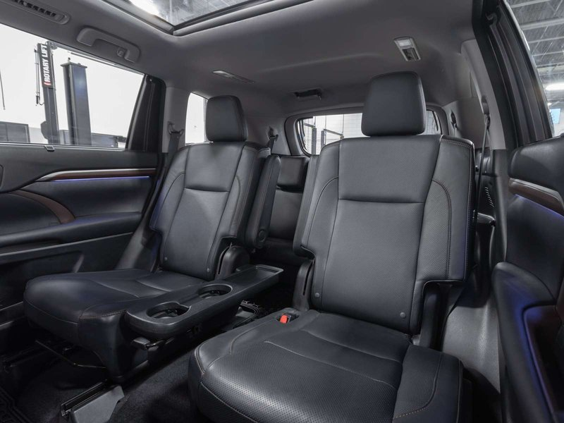 2015 Toyota Highlander for sale in Kelowna, British Columbia