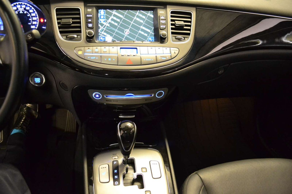 2013 Hyundai Genesis for sale in Vancouver, British Columbia