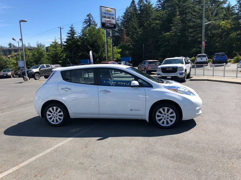 2013 Nissan LEAF for sale in Victoria, British Columbia