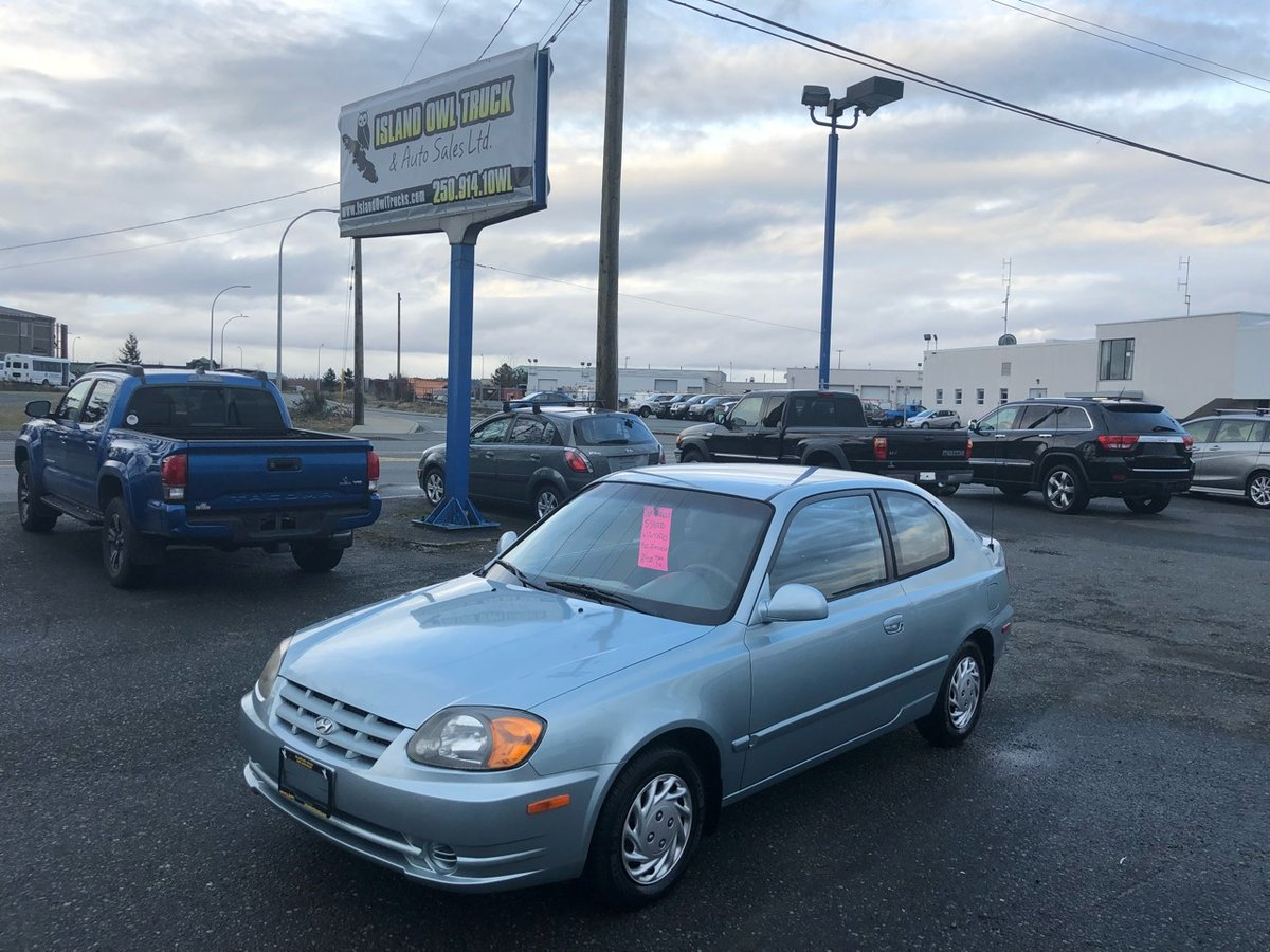2004 Hyundai Accent for sale in Campbell River, British Columbia
