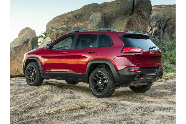 for sale new 2017 jeep cherokee trailhawk in yellowknife yellowknife chrysler. Black Bedroom Furniture Sets. Home Design Ideas