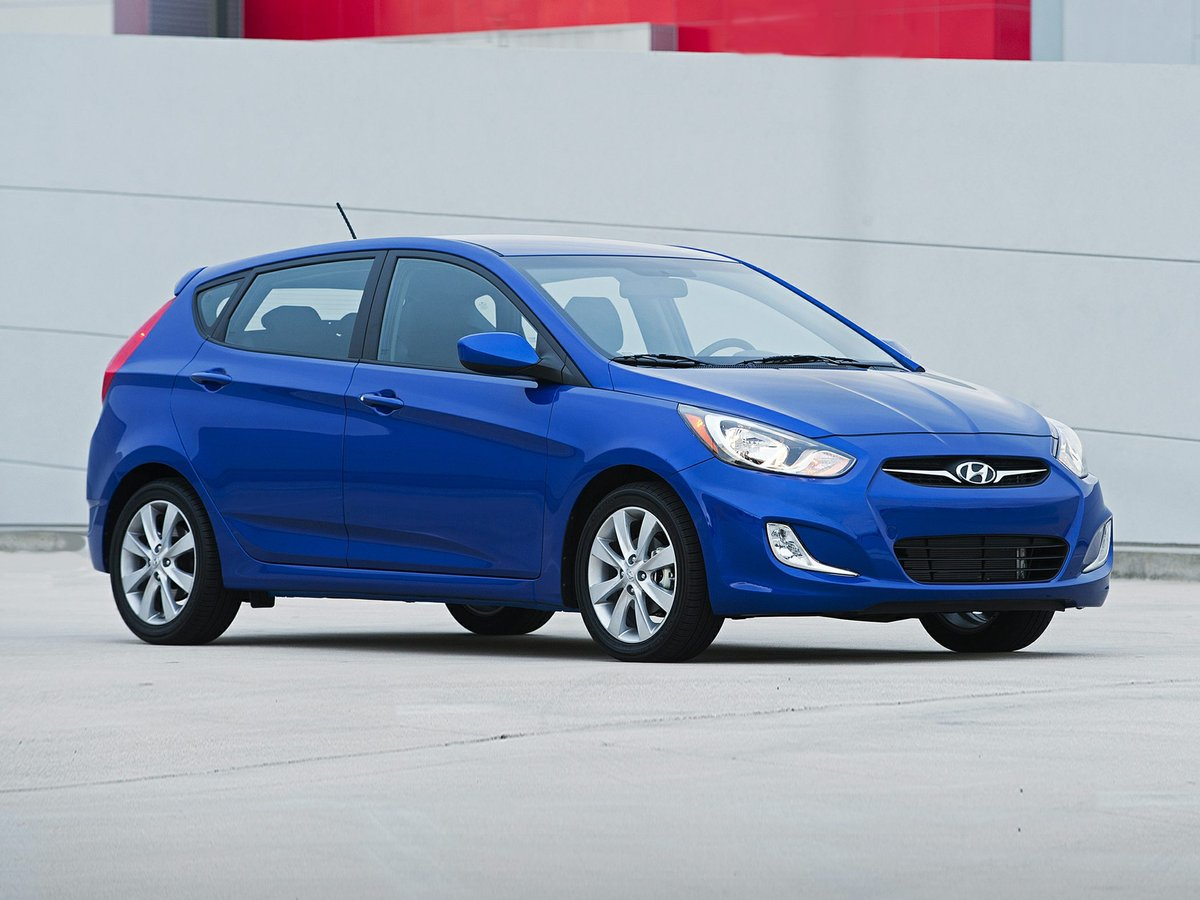 2014 hyundai accent for sale in edmonton. Black Bedroom Furniture Sets. Home Design Ideas