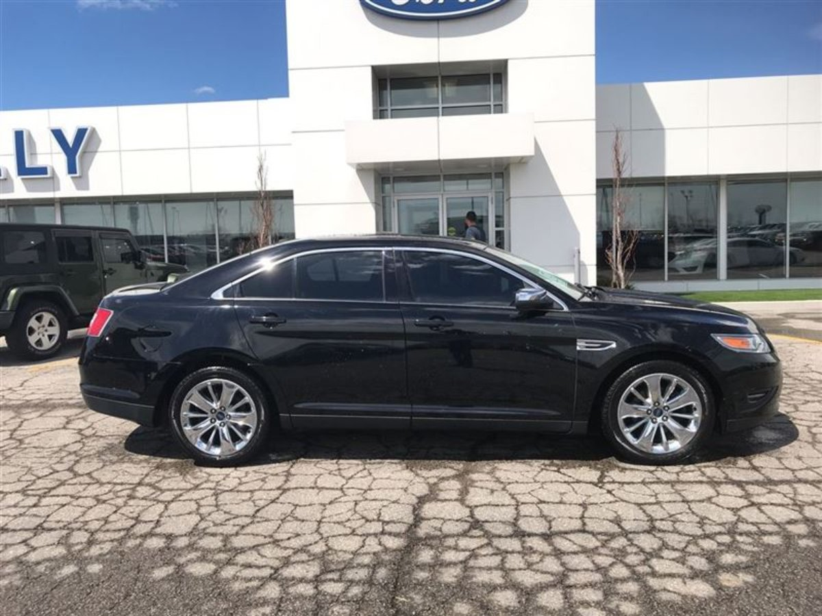 2012 Ford Taurus for sale in Tilbury, Ontario