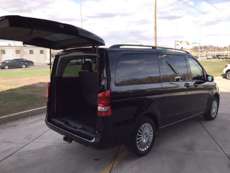 2017 Mercedes-Benz Metris Passenger Van for sale in Calgary, Alberta