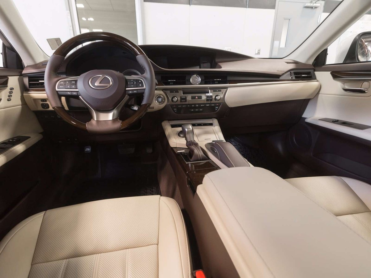 2018 Lexus ES 350 for sale in Kelowna, British Columbia