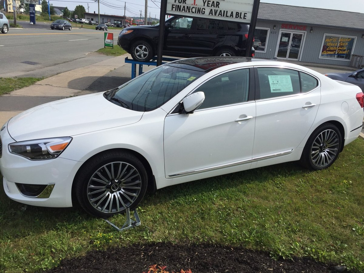 On Special 2016 Kia Cadenza
